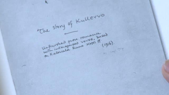 este jueves llega a las librerias inglesas el primer libro en prosa de tolkien - publican stock videos & royalty-free footage