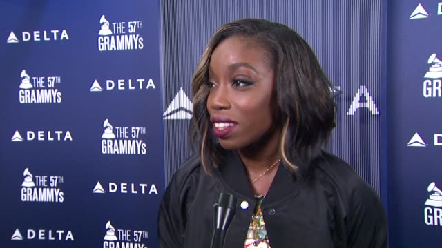 interview estelle on traveling and the upcoming grammy award show at delta air lines kicks off grammy weekend with private performance by grammy... - delta air lines stock-videos und b-roll-filmmaterial