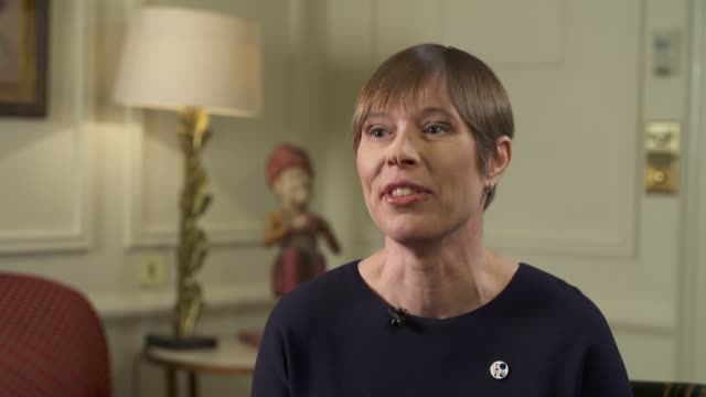 vidéos et rushes de estonian president kersti kaljulaid interview on russia; england: london: int kersti kaljulaid interview sot - président