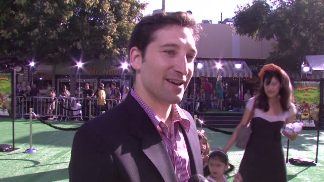 etan cohen, screenwriter, on writing the film, the animation aspect, the story, the message of the movie at the los angeles premiere of madagascar:... - 脚本家点の映像素材/bロール