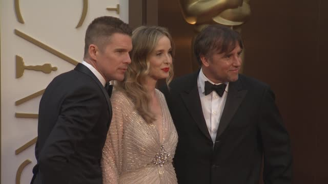 ethan hawke, julie delpy, and richard linklater at the 86th annual academy awards - arrivals at hollywood & highland center on march 02, 2014 in... - hollywood and highland center stock videos & royalty-free footage