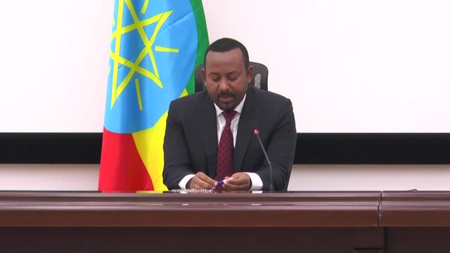 stockvideo's en b-roll-footage met ethiopia on monday demonetized its currency but gave three months window to people to exchange old currency notes from the banks prime minister abiy... - 2 5 maanden