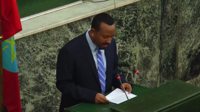 vídeos de stock e filmes b-roll de ethiopian prime minister abiy ahmed addresses the parliament on june 18 2018 in addis ababa ethiopia - etiópia
