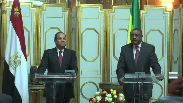 ethiopian prime minister hailemariam desalegn and egyptian president abdel fattah alsisi attend a joint press conference at the ethiopian national... - corno d'africa video stock e b–roll