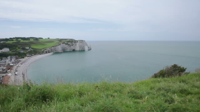 etretat left cliff and grass lv - hd - 1944 stock videos & royalty-free footage