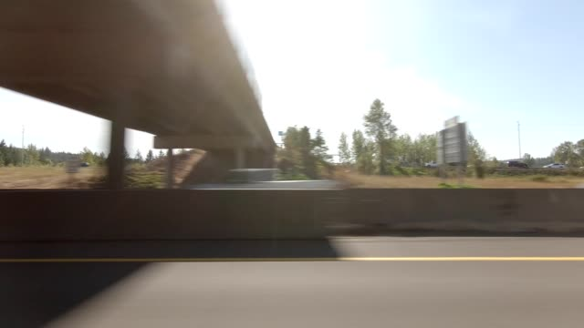 eugene highway iv synced series left view driving process plate - eugene oregon stock videos & royalty-free footage
