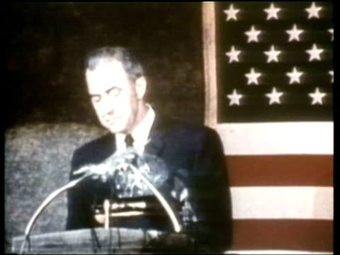 vidéos et rushes de eugene mccarthy delivers a speech in which he questions the rationale for the vietnam war. - eugene j. mccarthy