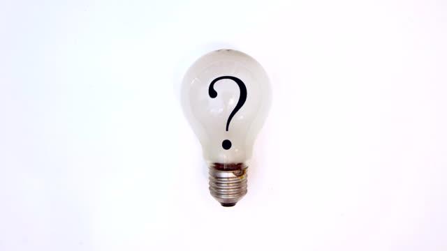 eureka, idea brillante.  hd - punto interrogativo video stock e b–roll