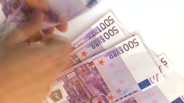 vídeos de stock, filmes e b-roll de euro-contando dinheiro. intervalo de tempo - nota de cinquenta euros