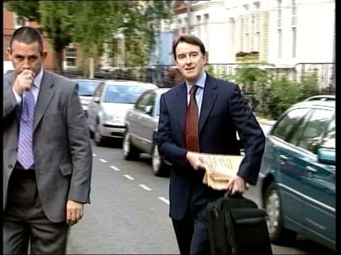 stockvideo's en b-roll-footage met mandelson statement on brown itn mandelson along as getting into car clean feed tape = d0515891 or programme as broadcast tape = d0515890 order ref... - peter mandelson