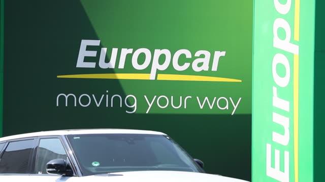 europcar spot in frankfurt hanauer landstrasse, germany on wednesday, june 24, 2020. - zugänglichkeit stock-videos und b-roll-filmmaterial