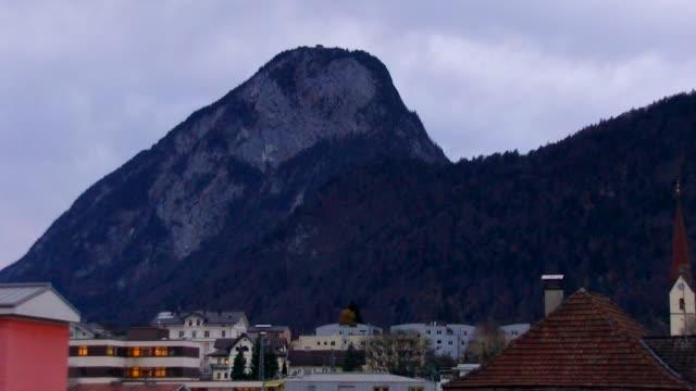 europe, austria, tyrol, kufstein, cityscape view with brandenberg austrian alps - 北チロル点の映像素材/bロール