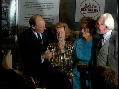 britain's position; lancs cms labour leader neil kinnock mp, wife )blackpool glenys, baroness barbara castle and ) tx 1.10.90 former labour... - 男爵夫人点の映像素材/bロール