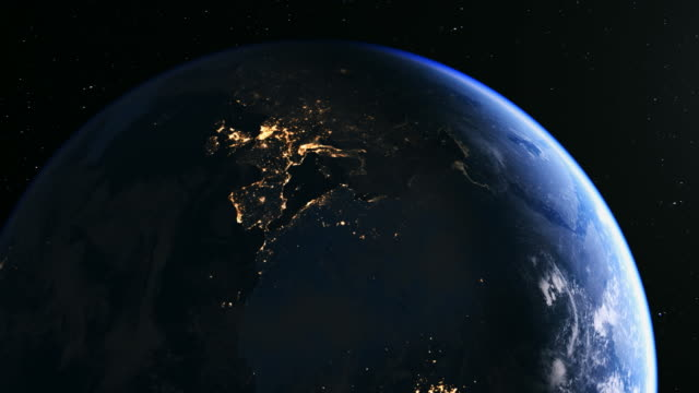 vídeos de stock, filmes e b-roll de europe seen from space in 4k - menos zoom