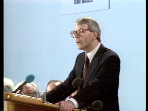 major's speech; cf tape no longer available wales, swansea, guildhall cms pm john major mp with wife norman and others into hall l-r as up on to... - audio available bildbanksvideor och videomaterial från bakom kulisserna