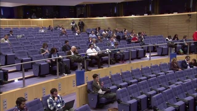 european commission spokesman alexander winterstein speaks to the press regarding visafree travel of turkey in brussels belgium on may 10 2016... - europäische kommission stock-videos und b-roll-filmmaterial