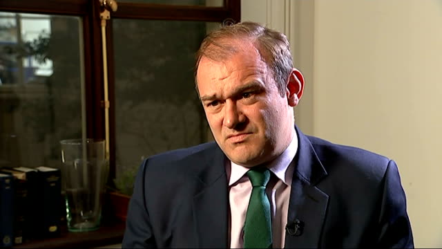 interviews with ed davey harriet harman and grant shapps england london int ed davey mp interview sot harriet harman mp interview sot grant shapps mp... - grant shapps stock videos and b-roll footage