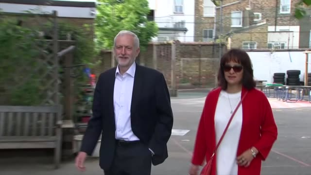 many eu citizens in the uk turned away from polling stations; england: london: islington: ext jeremy corbyn mp and his wife laura alvarez arriving at... - islington stock videos & royalty-free footage