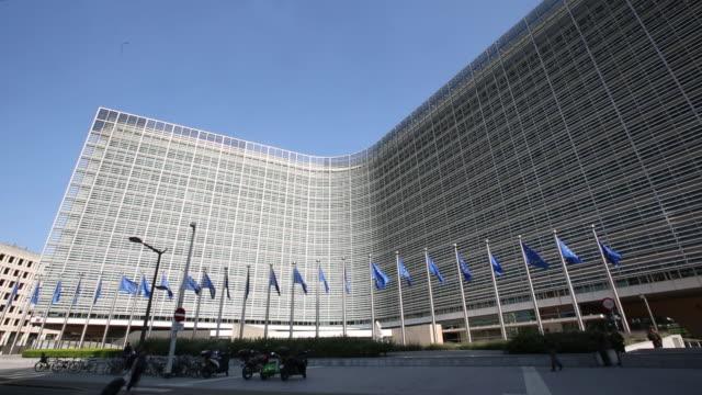 european institution building in brussels belgium on wednesday june 27 2018 - europäische kommission stock-videos und b-roll-filmmaterial