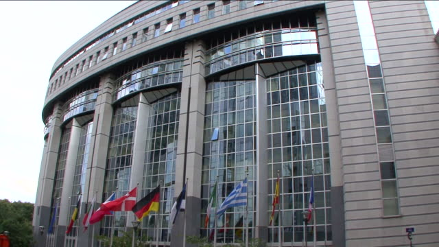 europäische parlament gebäude 1, brüssel - konferenzzentrum stock-videos und b-roll-filmmaterial