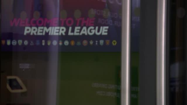 european super league: plan facing collapse as premier league clubs withdraw; england: london: premier league headquarters: ext 'premier league' sign... - politics stock-videos und b-roll-filmmaterial