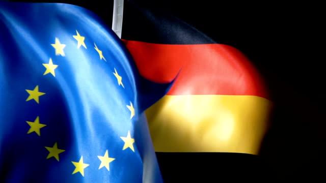 欧州連合の旗とドイツ国旗 - 憲法点の映像素材/bロール