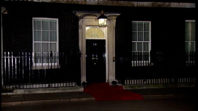 European Union leaders' financial meeting departure photocall ENGLAND London 10 Downing Street EXT / NIGHT **FLASHLIGHTPHOTOGRAPHY** Gordon Brown MP...
