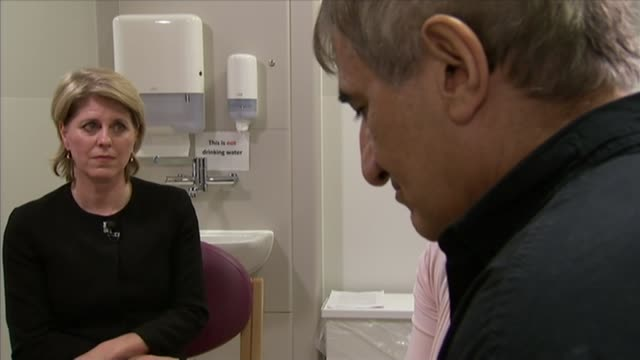 europe's first nonbeating heart transplant takes place at papworth hospital england cambridgeshire cambridgeshire int huseyin ulucan displaying scar... - cicatrice video stock e b–roll