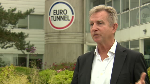 """vidéos et rushes de eurotunnel spokesperson john keefe saying there are still uk tourists coming to france despite coronavirus quarantine measures being imposed by the... - """"bbc news"""""""