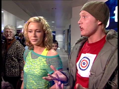 vidéos et rushes de british entry receives nil points england liverpool chris cromby interviewed sot monitors were off - concours de l'eurovision