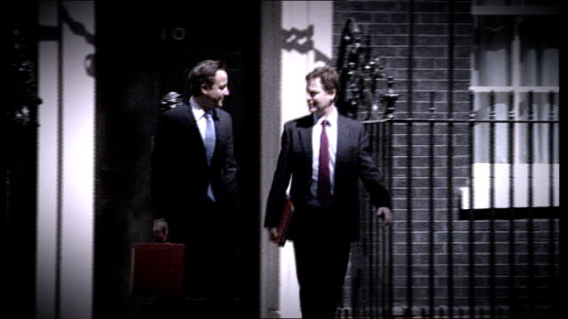 nick clegg condemns government decision to reject eurozone deal england london downing street prime minister david cameron mp and deputy prime... - ニック クレッグ点の映像素材/bロール