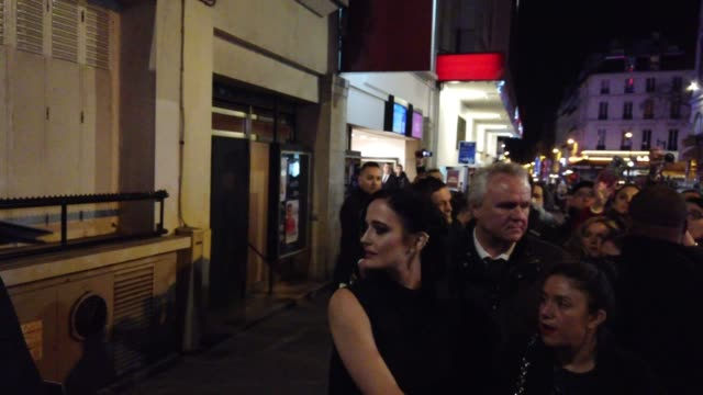 """Eva Green attends the """"Dumbo"""" Paris Gala Screening outside arrivals at Cinema Le Grand Rex on March 18 2019 in Paris France"""