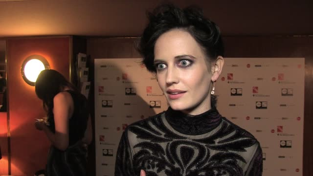 Eva Green gives a synopsis of the movie how it compares to others she has worked on and how what she thought of working with Ewan at the UK premiere...