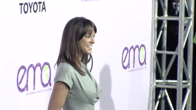 eva la rue at the the 18th annual environmental media awards benefiting the environment at los angeles ca. - environmental media awards stock-videos und b-roll-filmmaterial
