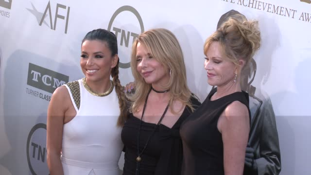 vídeos de stock, filmes e b-roll de eva longoria melanie griffith and rosanna arquette at afi's 42nd life achievement award honoring jane fonda at dolby theatre on june 05 2014 in... - american film institute