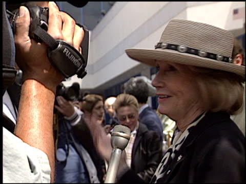 eva marie saint at the bob hope honored with hollywood walk of fame plaque at hollywood boulevard in hollywood, california on april 15, 2003. - ボブ ホープ点の映像素材/bロール
