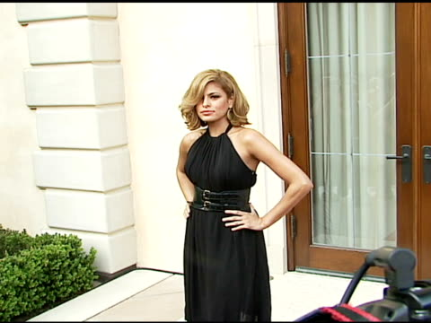 eva mendes at the chrysalis' fifth annual butterfly ball at private residence in bel air, california on june 10, 2006. - chrysalis butterfly ball video stock e b–roll