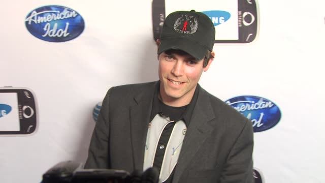 evan lowenstein at the 'american idol' top 24 semi-finalists event at west hollywood ca. - 準決勝点の映像素材/bロール