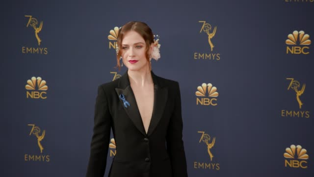 vídeos de stock, filmes e b-roll de evan rachel wood at the 70th emmy awards arrivals at microsoft theater on september 17 2018 in los angeles california - 70th annual primetime emmy awards