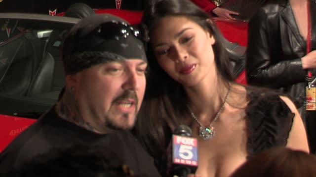 evan seinfeld and tera patrick at the 2006 maxim hot 100 party at buddha bar in new york, new york on may 18, 2006. - ブッダバー点の映像素材/bロール