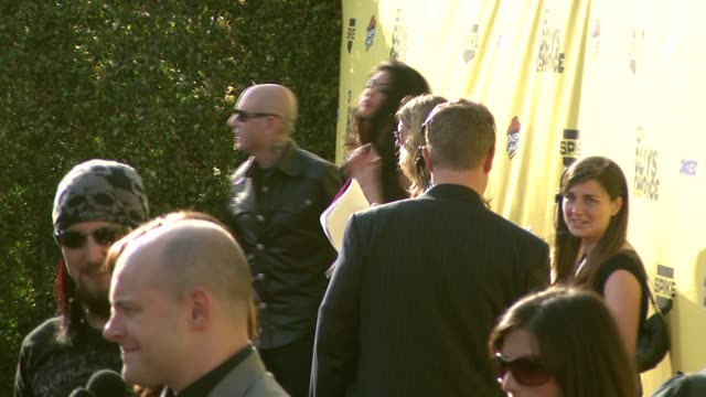 evan seinfeld and tera patrick at the spike tv's guys' choice awards at radford studios in los angeles california on june 10 2007 - spike guys choice awards video stock e b–roll