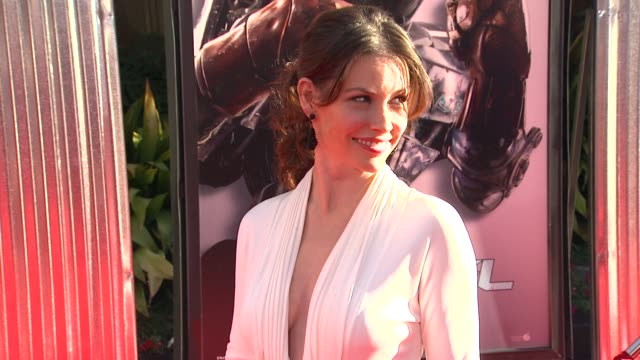 evangeline lilly at the the world premiere of dreamworks pictures' 'real steel' at universal city ca. - universal city stock videos & royalty-free footage