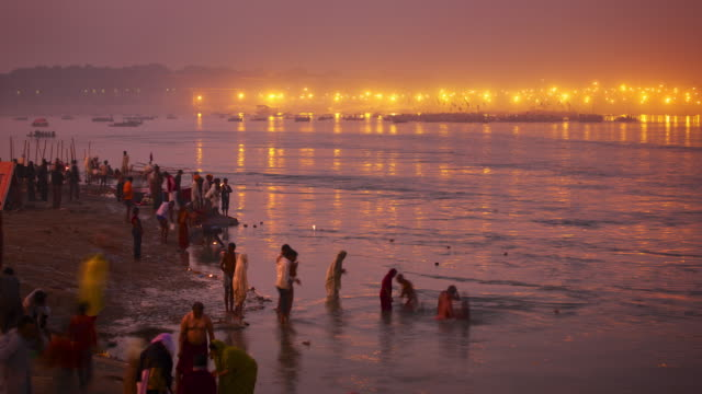 Evening ablutions in the holy river Ganges