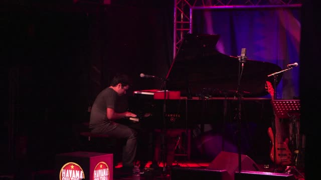 ever since winning the piano solo competition at the montreux festival in his early 20s cuban jazz pianist harold lopez nussa has dazzled the jazz... - montreux stock videos & royalty-free footage