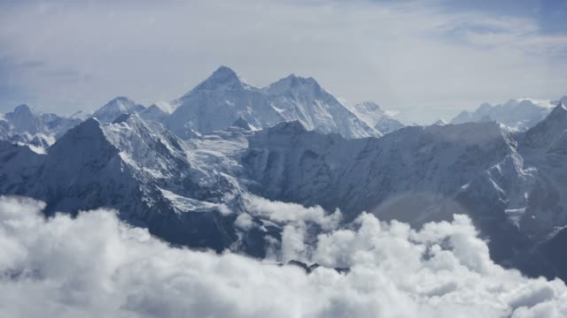 everest - mountain range stock videos & royalty-free footage