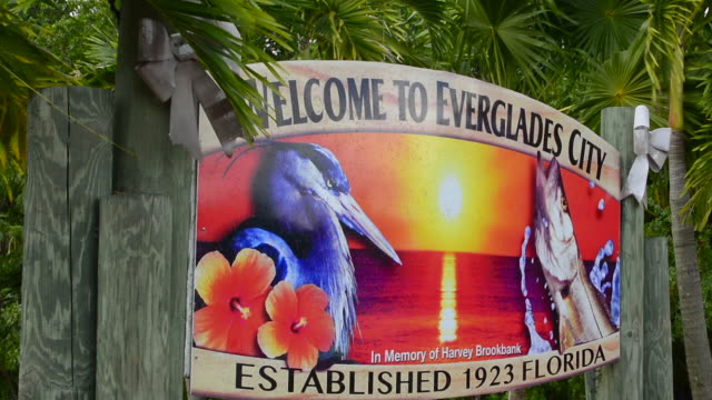everlades city florida sign small village on the edge of the everglades national park in everglades - everglades national park stock videos & royalty-free footage