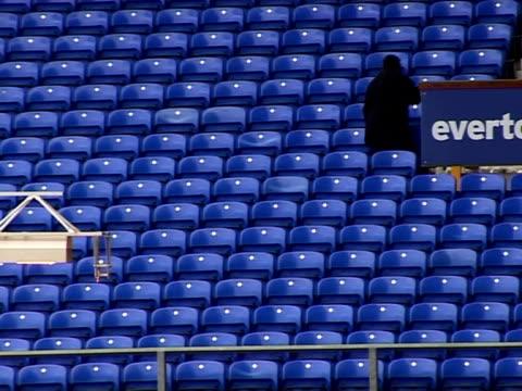 vidéos et rushes de everton football club's home ground goodison park general views at goodison park on november 18, 2011 in liverpool, england - everton