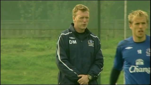 Phil Jagielka ENGLAND Liverpool Knowsley Finch Farm training ground EXT David Moyes watches players train