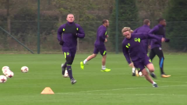 everton train ahead of their europa league match against lyon players include wayne rooney tom davies michael keane mason holgate and gylfi sigurosson - mason holgate stock videos and b-roll footage