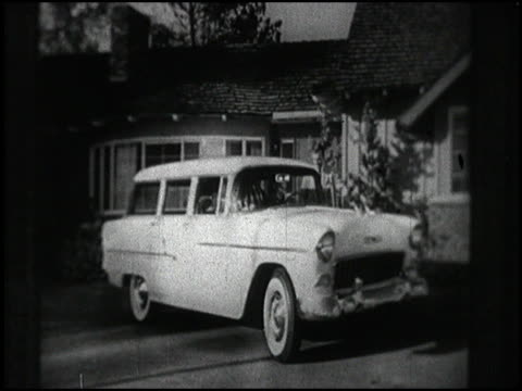 Every guy who gets his girl a 1955 Chevrolet station wagon gets a grateful kiss in this 1955 Chevy TV commercial Great shots of the Chevy wagon as a...